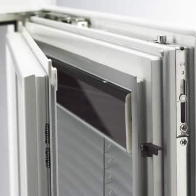 Internorm Fenster mit Photovoltaik Beschattung vom Fensterzentrum München